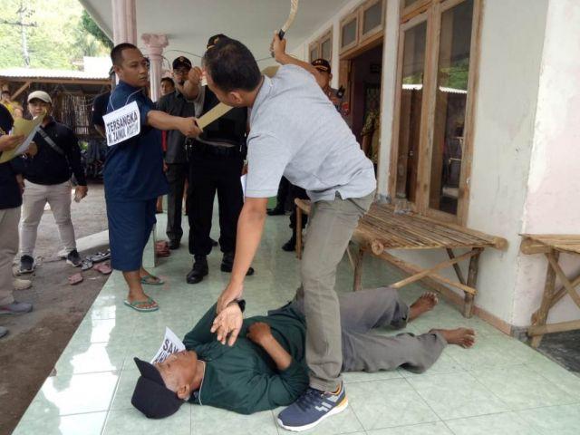 Pelaku Pembacokan di Desa Condro Lumajang Peragakan 20 Adegan