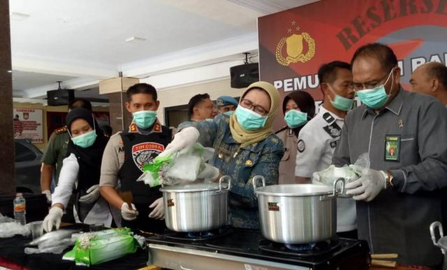 Tim Cobra Reskoba Polres Lumajang Rebus 5 Kg Sabu-sabu