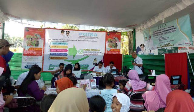 Road Show KPK Gelar Pameran Pelayanan di Halaman Pendopo Arya Wiraraja Lumajang