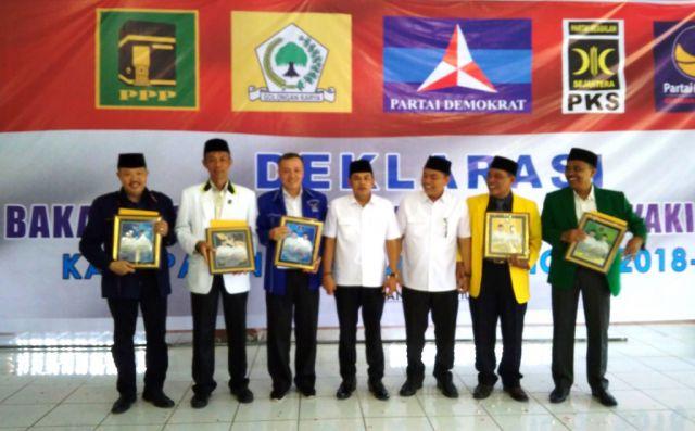 Diusung 5 Partai Politik, Pasangan Rofik-Nurul Daftar ke KPU Lumajang