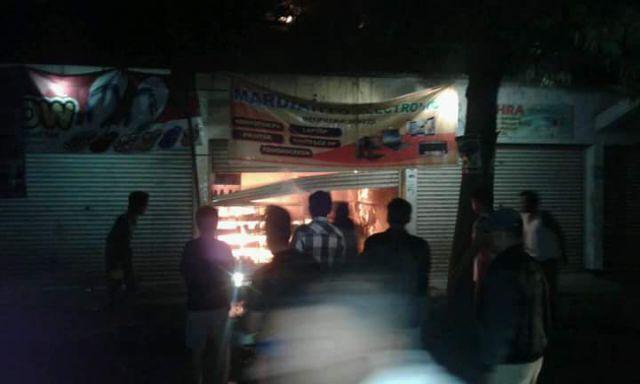 Ruko Layang-layang di Pasar Klakah Terbakar