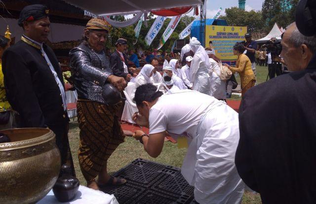 Lestarikan Budaya Jawa, Ruwatan Sukerto Massal Diikuti Puluhan Keluarga