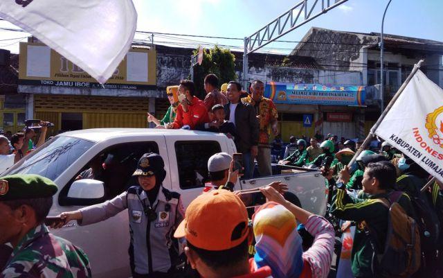 Saiful Rizal Disambut Ribuan Warga Sepanjang Jalan Lumajang