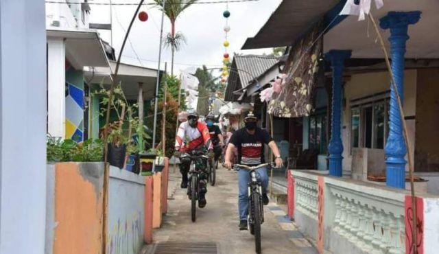 Bersepeda, Cak Thoriq Keliling RW BERSERI Senduro Lumajang