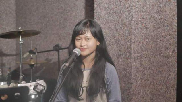 Gadis Cantik Lumajang Masuk Grup Paduan Suara Upacara Kemerdekaan di Istana