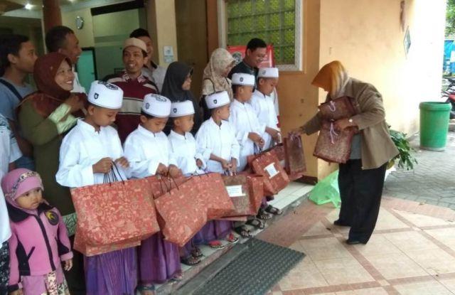 SPSI Lumajang Gelar Sunatan Bagi Anak-anak Karyawan