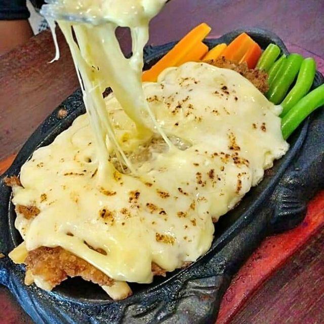 Nikmatnya..! Steak Sultan Agung Lumajang Tak Bikin Kantong Bolong