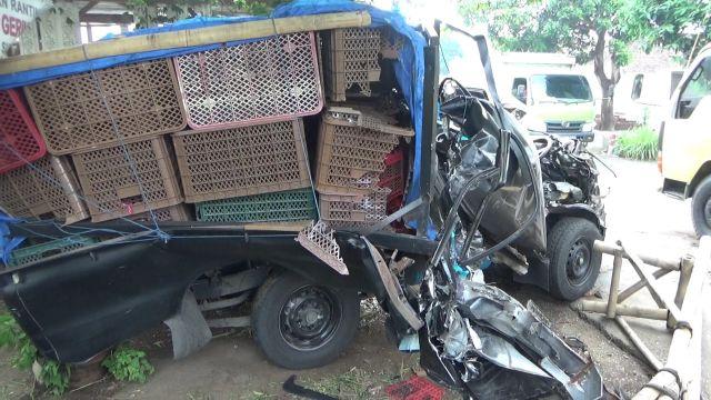 L-300 vs Truck Pasir di Kunir Lumajang Sopir Banyuwangi Meninggal