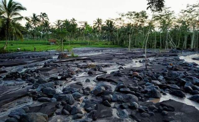 Lahar Sungai Rejali Semeru Ancam 3 Desa di Candipuro Lumajang