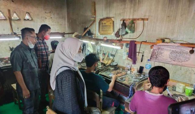 Komisi B DPRD Ajak DLH Lumajang Edukasi UKM Pengolahan Limbah Emas