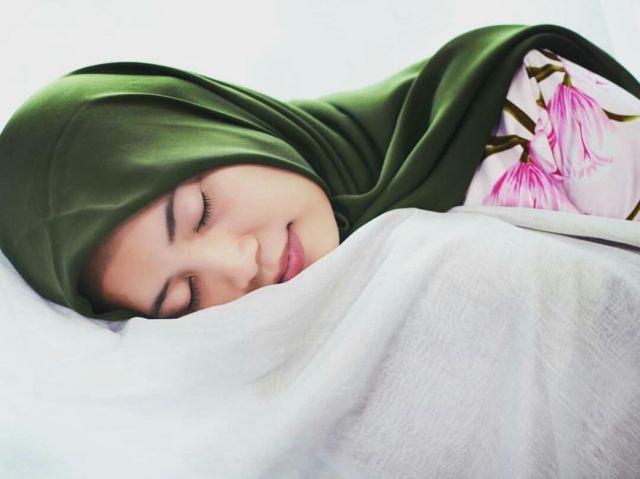 6 Cara Supaya Tidur Malam Ini Enggak Ngiler