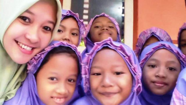 Tiva Rochana Guru SDN 02 Citrodiwangsan : Mengajar Harus Dengan Hati