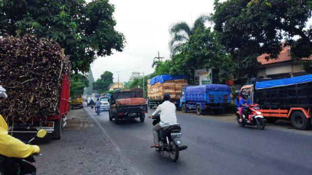 Operasi Dokumen Uji KIR, Banyak Truck Pasir, Tebu dan Kayu Menepi
