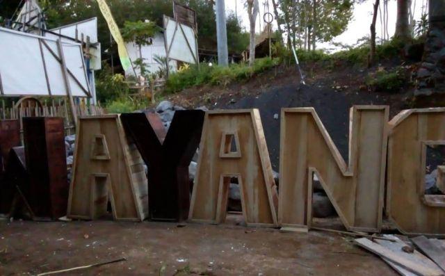 Pokdarwis Bangun Spot Foto Tulisan Gunung Wayang Berbahan Kayu