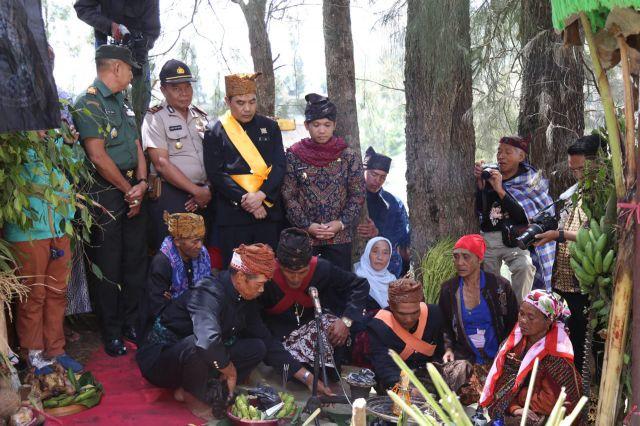 Suku Tengger Argosari dan Ranupani Gelar Ritual Unan - unan