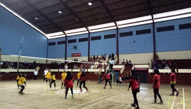 Kompetisi Bola Voli Antar SMA Dispora Lumajang Berjalan Ketat dan Seru