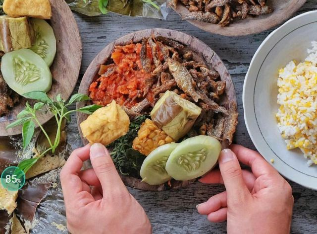Iwak Wader Sego Jagung Kuliner Legendaris Warung Bu Winoto Nogosari