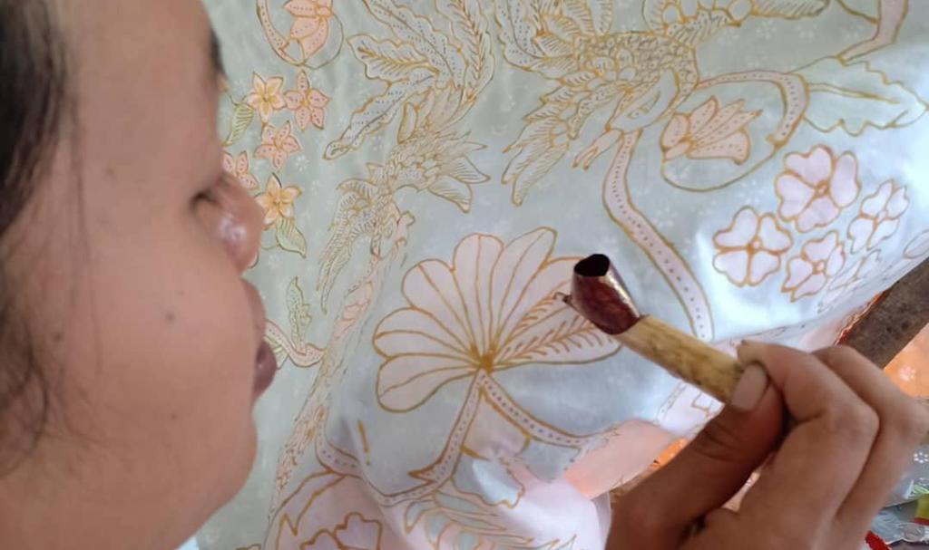 Batik Menak Koncar Lumajang Berdayakan Tenaga Ibu-Ibu Pedesaan