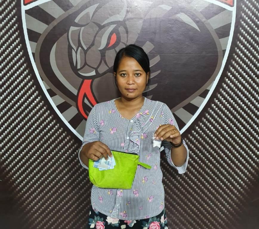 Kebacut..! Emak-emak di Lumajang Malah Dadi Bakul Sabu-sabu