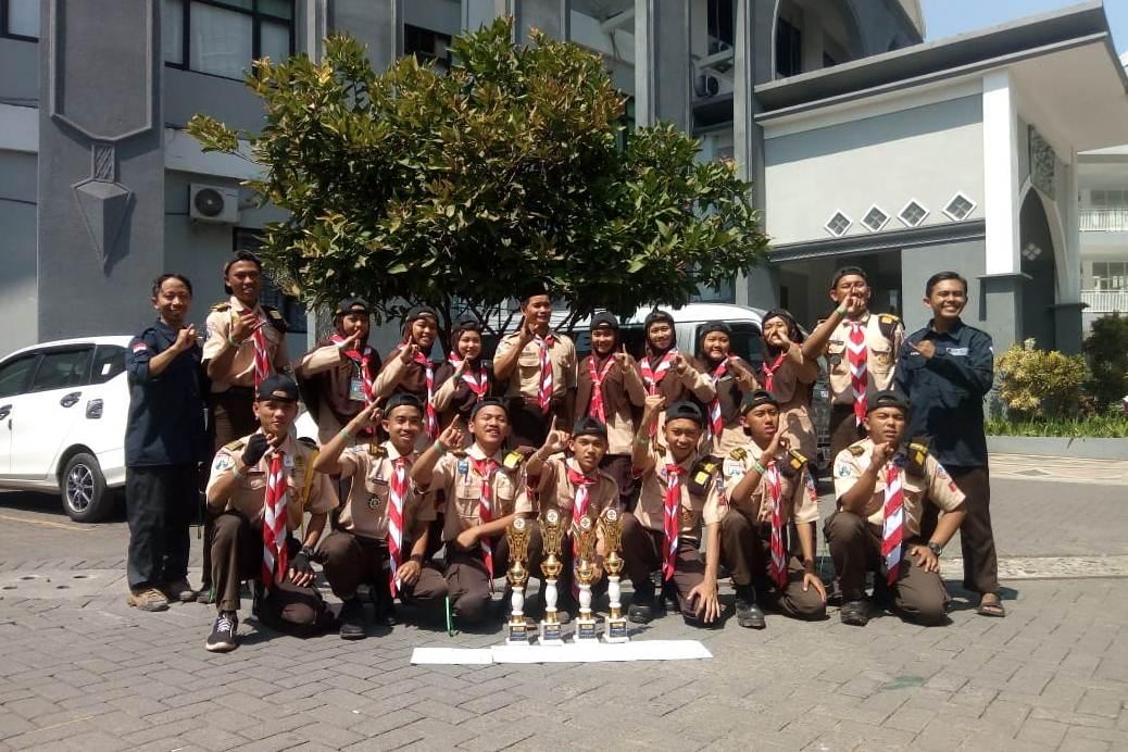 MAN Lumajang Panen Piala di LKP Unisma se-Jawa Bali