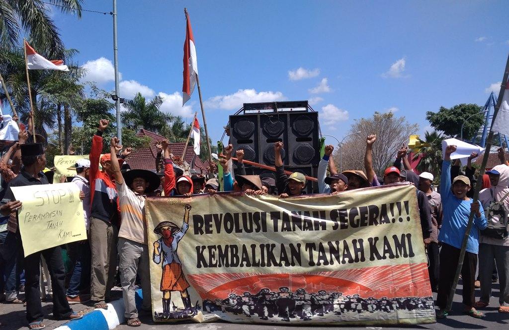 Sengketa Lahan, Ratusan Petani Lumajang Ngadu ke DPRD