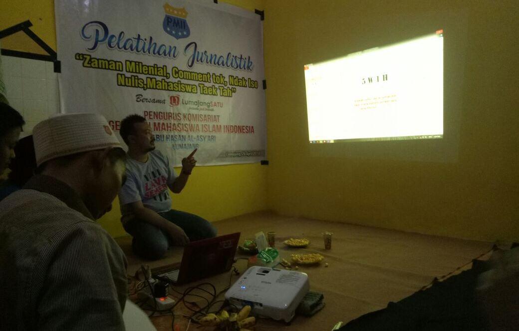Pelatihan Jurnalistik, PK-PMII Abu Hasan Al-Asy'ari Lumajang Ambil Tema Menggelitik