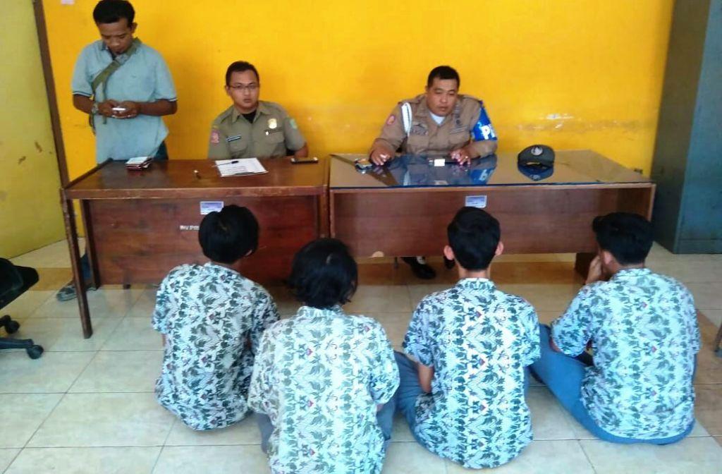 Asyik Ngopi, 4 Pelajar Diciduk Satpol PP Lumajang