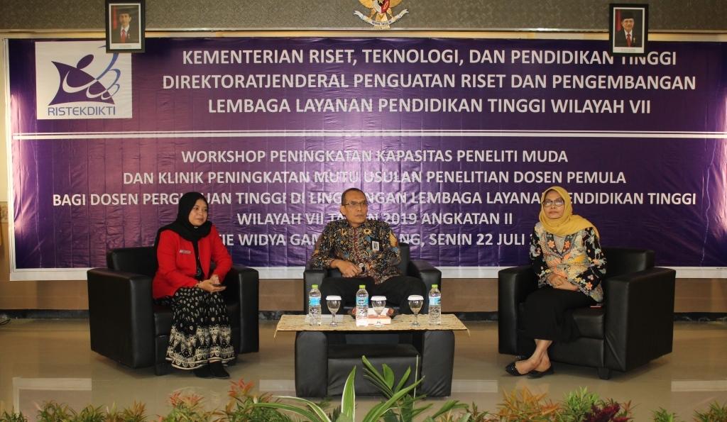 STIE WIGA Lumajang Tuan Rumah Workshop Dosen Peneliti KemenristekDikti 2019