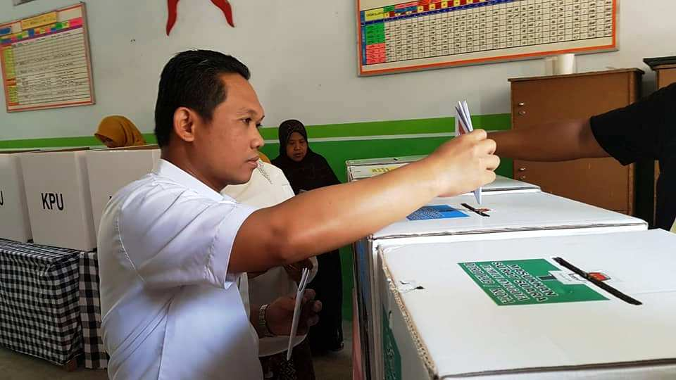 TPS Depan Pendopo Arya Wiraraja Lumajang Jokowi Menang