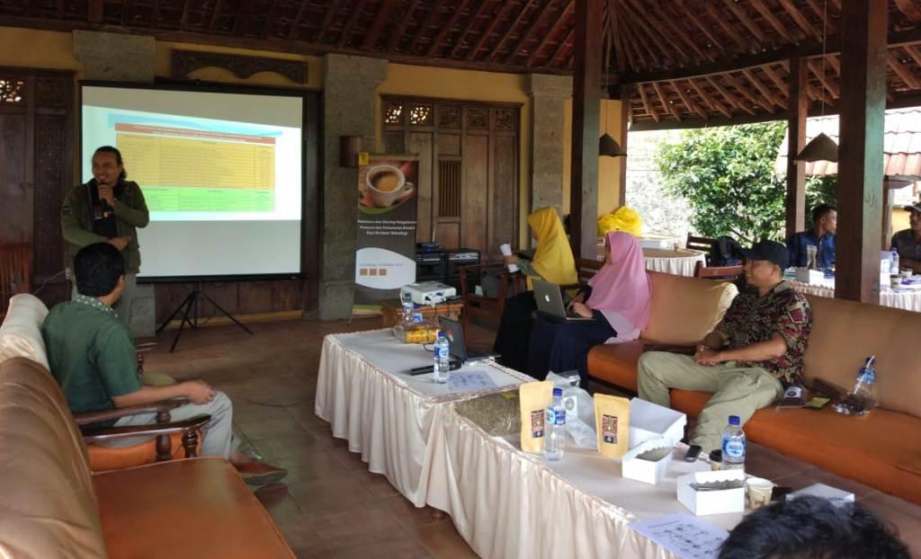Gandeng Gemapalu UI Gelar Pelatihan Pendaftaran Merk dan Sertifikasi Halal Kopi Senduro